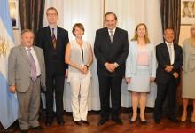 El Gobernador y embajadores conmemoraron a las víctimas del Holocausto