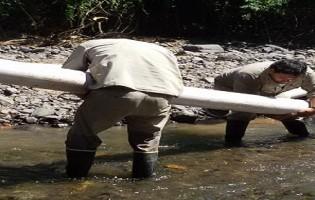 Tareas de conexiones domiciliarias y restauracion de tomas superciciales de agua