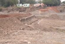 Vialidad Provincial trabaja en el paso bajo nivel en el Río Lules
