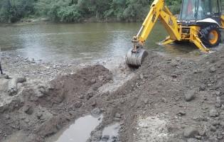 trabajos en la mejora del servicio de agua potable en Yanima-La Cocha