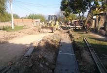 Obras de cordón cuneta en San Miguel de Tucuman