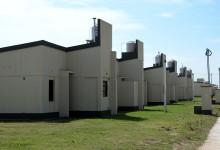 Alperovich entregó 163 viviendas en el barrio Manantial Sur