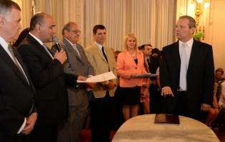 El Ministro de Economia Eduardo Garvich puso en actividad a funcionarios de su gabinete