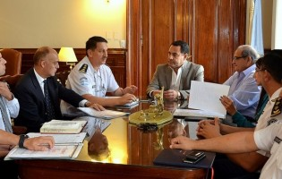 El Ejecutivo inició las negociaciones salariales con la Policía