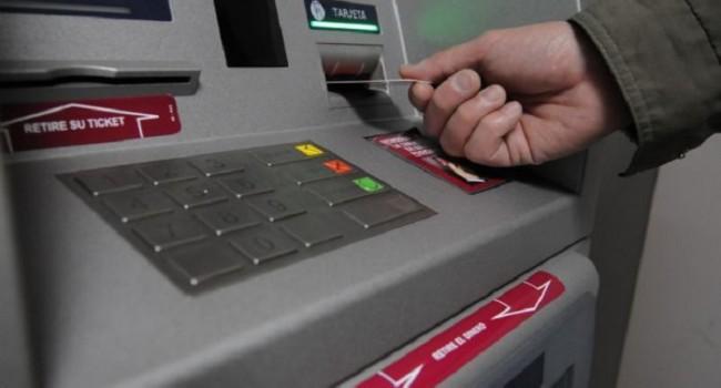Comienza el pago de sueldos a las reparticiones del Estado provincial