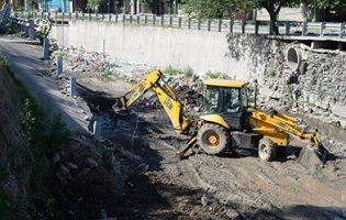 Obras Públicas   Continúan los trabajos en los canales de cara a la próxima temporada de lluvias