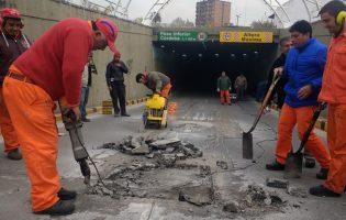 Obras Publicas | Reparan el asfalto del túnel de calle Córdoba