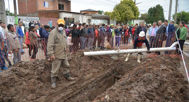 SAT | Se renueva la red cloacal del barrio Feput