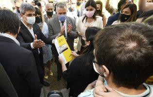 Infraestructura urbana   El gobernador Jaldo entregó 100 viviendas en Las Talitas
